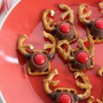 Pretzel Reindeer Snacks
