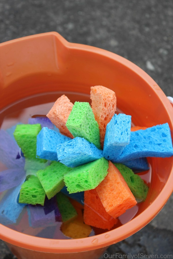 DIY-Sponge-Water-Bombs-3
