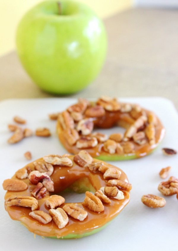 Caramel-Pecan-Apple-Rings-Recipe-600x848