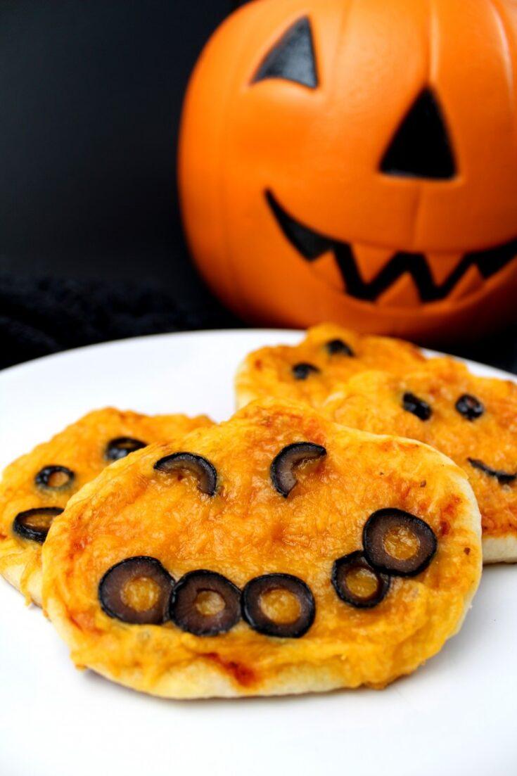 Halloween Mini Pumpkin Pizzas