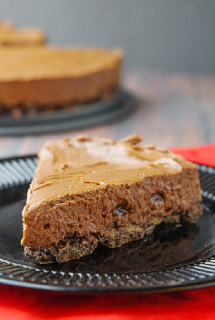 No Bake Chocolate Crunch Cheesecake
