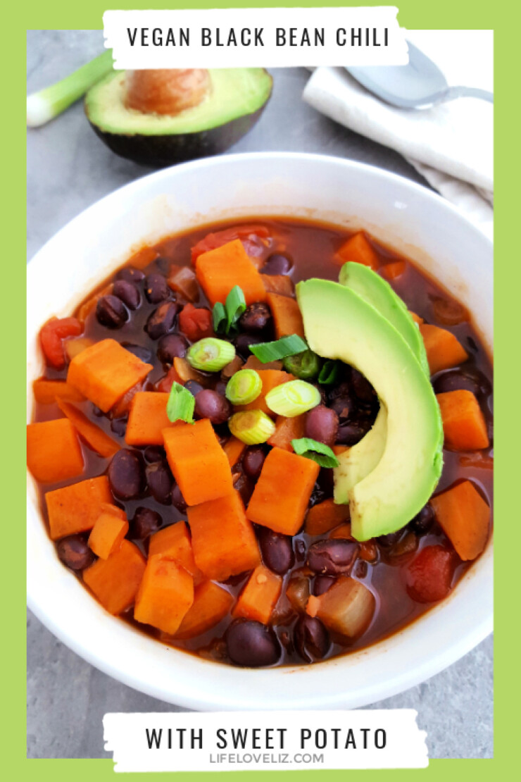 Enjoy all the flavours of chili in this vegan black bean chili. This is a hearty dish that is very filling and nutritious.