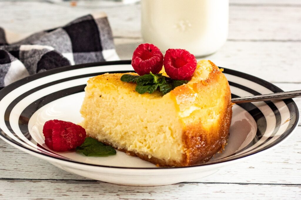 Instant Pot Crème Brûlée Cheesecake will satisfy your dessert cravings with creamy cheesecake topped with a sweet caramelized sugar crust!