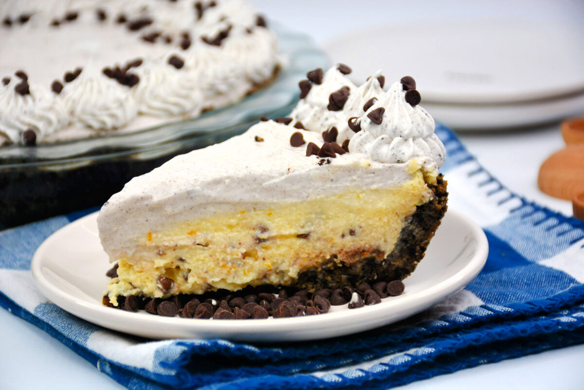 This easy no-bake recipe for cannoli pie will have you enjoying the flavors of delicious Italian cannolis in a whole new way.