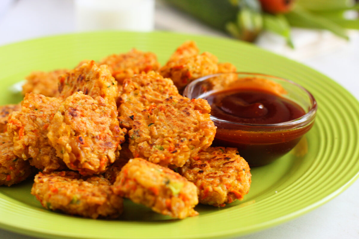 This recipe for vegetarian and gluten-free chickpea vegetable nuggets is a flavourful and healthy alternative that are baked until crisp.